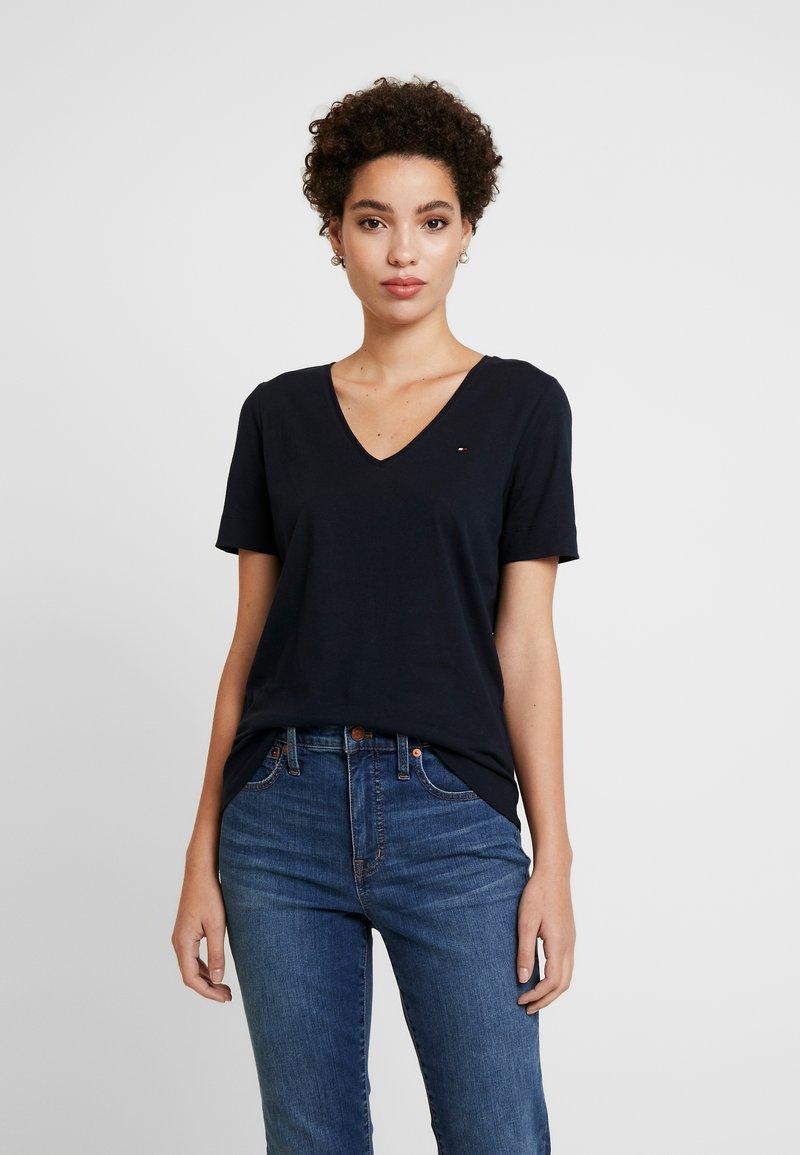 Tommy Hilfiger - CLASSIC  - T-shirt basic - desert sky