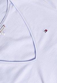 Tommy Hilfiger - CLASSIC  - T-shirt basic - bliss blue - 2