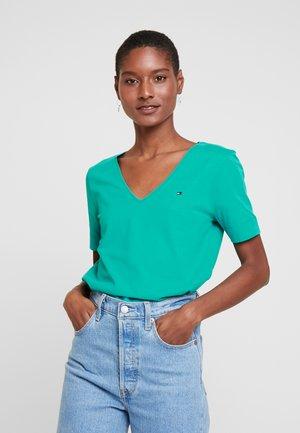 CLASSIC  - Basic T-shirt - aqua teal