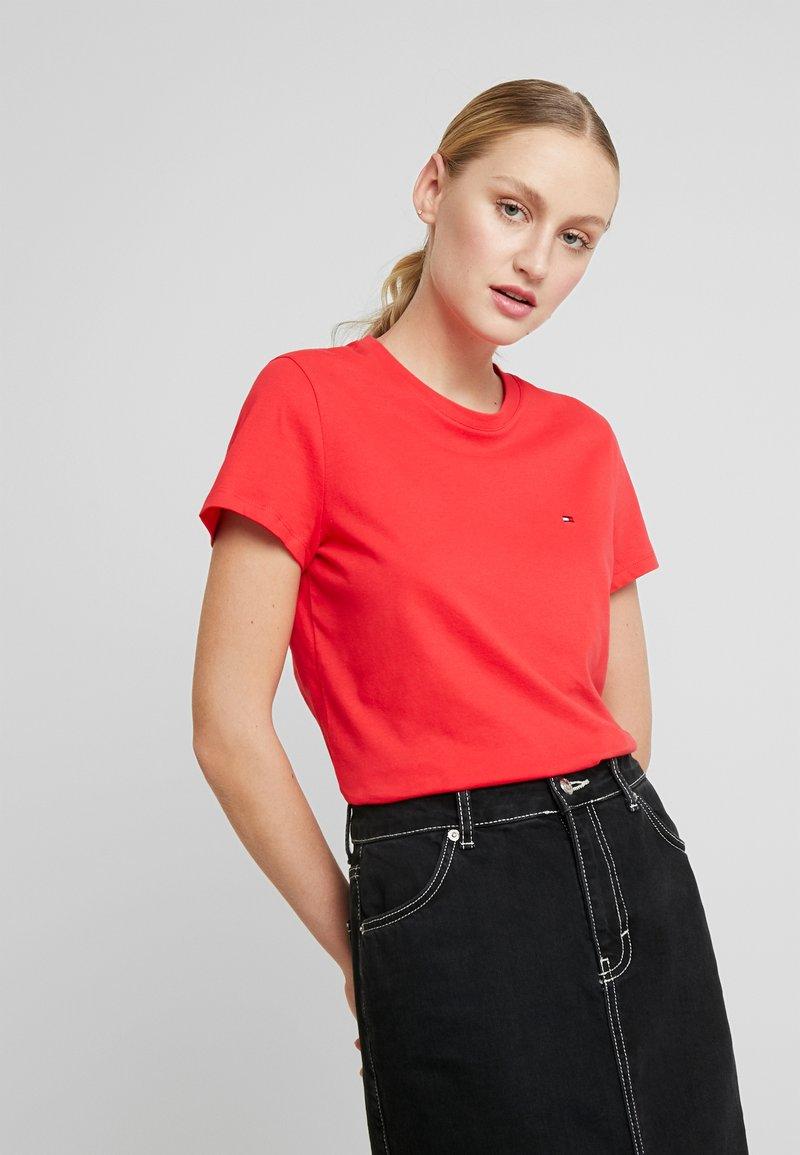 Tommy Hilfiger - CLASSIC - Basic T-shirt - red alert