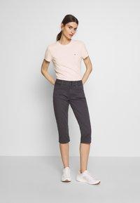 Tommy Hilfiger - Basic T-shirt - pale pink - 1