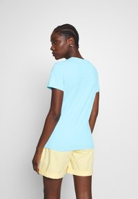 Tommy Hilfiger - CLASSIC - Basic T-shirt - sail blue - 2