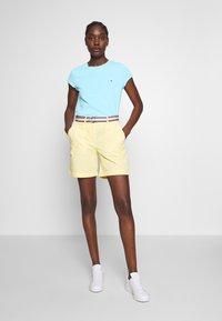 Tommy Hilfiger - CLASSIC - Basic T-shirt - sail blue - 1