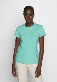 Tommy Hilfiger - CLASSIC - Basic T-shirt - light green - 0