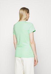 Tommy Hilfiger - CLASSIC - T-shirt basic - neo mint - 2