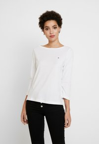 Tommy Hilfiger - CLASSIC BOAT NECK 3/4 SLEEVE  - Long sleeved top - white - 0