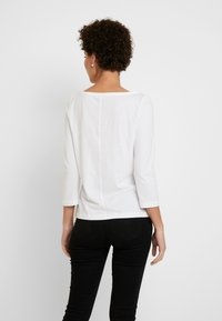Tommy Hilfiger - CLASSIC BOAT NECK 3/4 SLEEVE  - Long sleeved top - white - 2