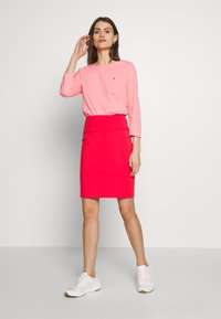 Tommy Hilfiger - CLASSIC BOAT NECK 3/4 SLEEVE  - T-shirt à manches longues - pink grapefruit - 1