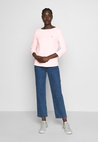 Tommy Hilfiger - CLASSIC BOAT NECK 3/4 SLEEVE  - Maglietta a manica lunga - pale pink - 1
