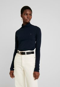 Tommy Hilfiger - ESSENTIAL ROLL - Long sleeved top - desert sky - 0