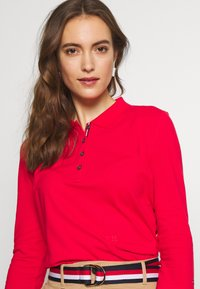Tommy Hilfiger - ESSENTIAL POLO - T-shirt à manches longues - red alert - 4