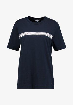 RAVEN - T-shirt print - desert sky