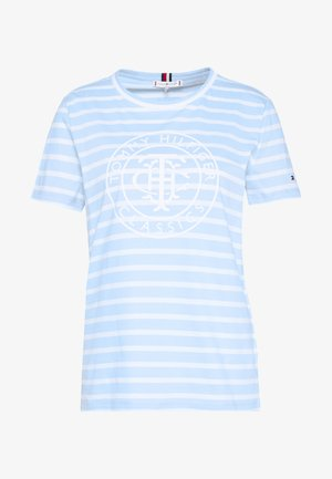 COOL RELAXED GRAPHIC TEE - T-shirts med print - breezy blue/white