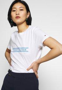Tommy Hilfiger - REGULAR - Print T-shirt - white - 4