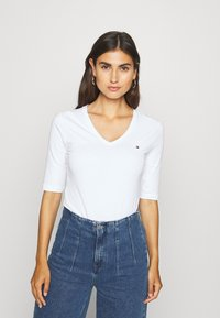 Tommy Hilfiger - Basic T-shirt - white - 2