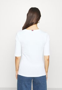 Tommy Hilfiger - Basic T-shirt - white - 0
