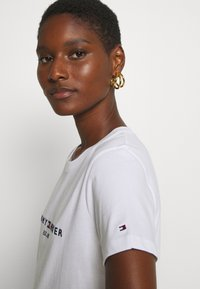 Tommy Hilfiger - NEW TEE - Print T-shirt - white - 3