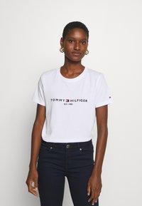 Tommy Hilfiger - NEW TEE - Print T-shirt - white - 0