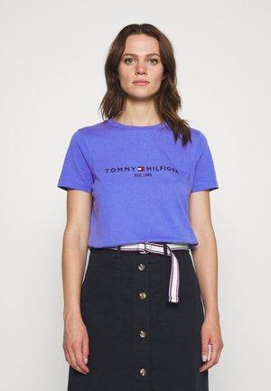 TEE - T-shirt z nadrukiem - iris blue