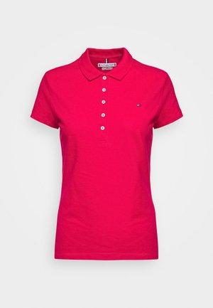 SHORT SLEEVE SLIM  - Koszulka polo - ruby jewel