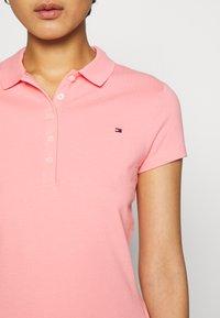 Tommy Hilfiger - SHORT SLEEVE SLIM - Poloskjorter - watermelon pink - 4