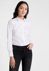 Tommy Hilfiger - ESSENTIAL  - Button-down blouse - white - 0