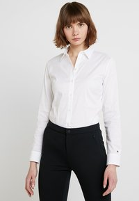 Tommy Hilfiger - HERITAGE SLIM FIT - Camicia - classic white - 0
