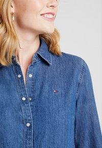 Tommy Hilfiger - SAYA - Button-down blouse - blue denim - 5
