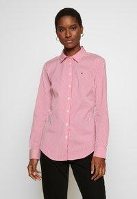 Tommy Hilfiger - ESSENTIAL - Skjorta - light pink/white - 0