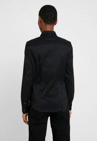 Tommy Hilfiger - ESSENTIAL - Camisa - black - 2