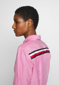 Tommy Hilfiger - DANNA - Camisa - pink jewel - 4