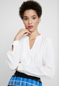 Tommy Hilfiger - LUCIA BLOUSE - Bluser - classic white - 4