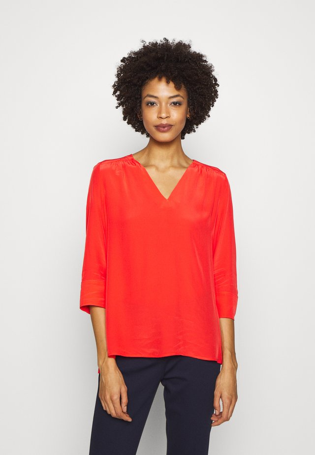 LOTTIE BLOUSE - Bluzka - bright vermillion