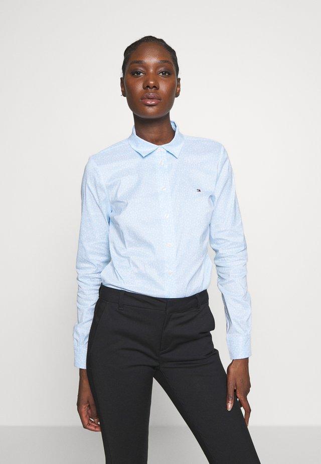 ESSENTIAL - Button-down blouse - breezy blue