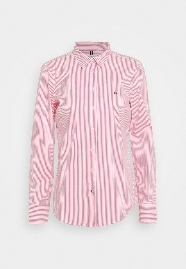 SALLY  - Camisa - tabi/radiant carmine