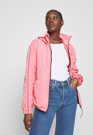 CORY FUNNEL PACKABLE WINDBREAKER - Veste légère - pink grapefruit