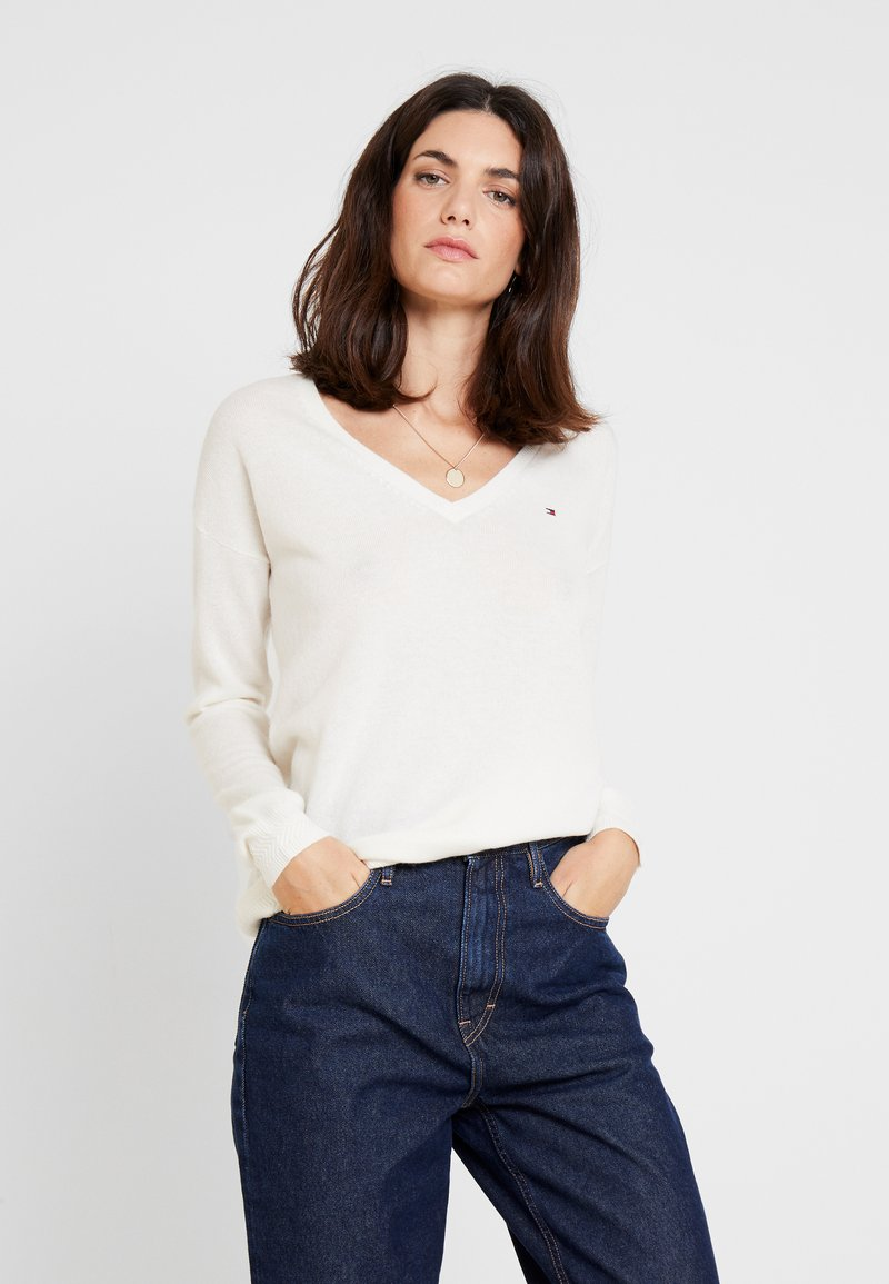 Tommy Hilfiger - SANIA  - Sweter - white