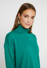 Tommy Hilfiger - ESSENTIAL ROLL - Jumper - green - 3