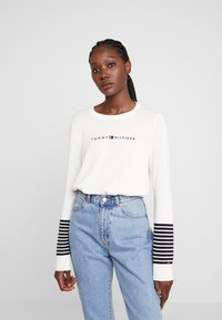 Tommy Hilfiger - JENAH GRAPHIC - Jumper - ecru - 0