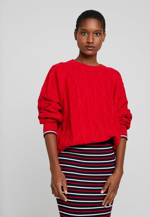 ESSENTIAL - Sweter - primary red