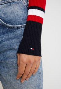 Tommy Hilfiger - VANESSA  - Pullover - primary red - 6