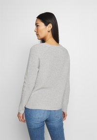 Tommy Hilfiger - HAYANA  - Strikkegenser - light grey heather - 2