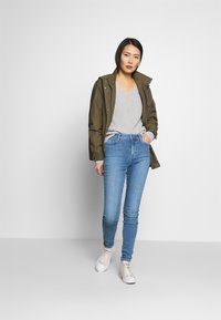 Tommy Hilfiger - HAYANA  - Strikkegenser - light grey heather - 1