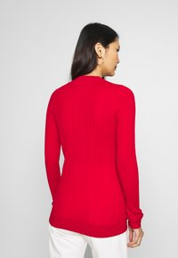 Tommy Hilfiger - INJ MINI CABLE  - Sweter - red - 2