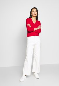 Tommy Hilfiger - INJ MINI CABLE  - Sweter - red - 1