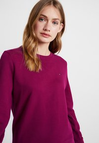 Tommy Hilfiger - CLAIRE - Mikina - purple - 3