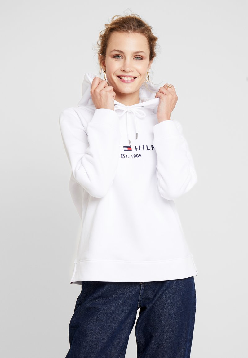 Tommy Hilfiger - HOODIE - Mikina skapucí - classic white