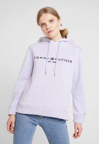 Tommy Hilfiger - HOODIE - Mikina skapucí - lavender ice - 0