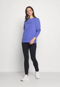 Tommy Hilfiger - Sweatshirt - iris blue - 1