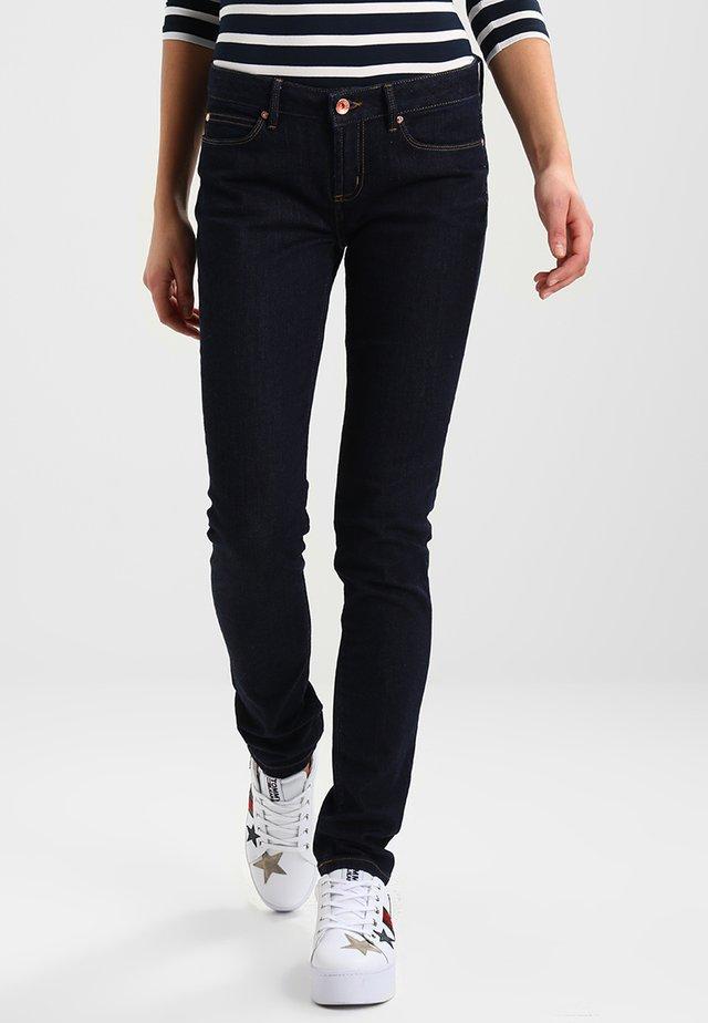 MILAN  CHRISSY - Jeansy Straight Leg - chrissy